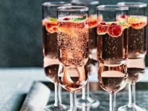 Soupe de champagne aux fraises